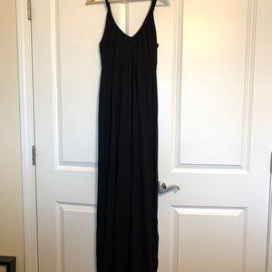 Old Navy Black maxi dress Medium